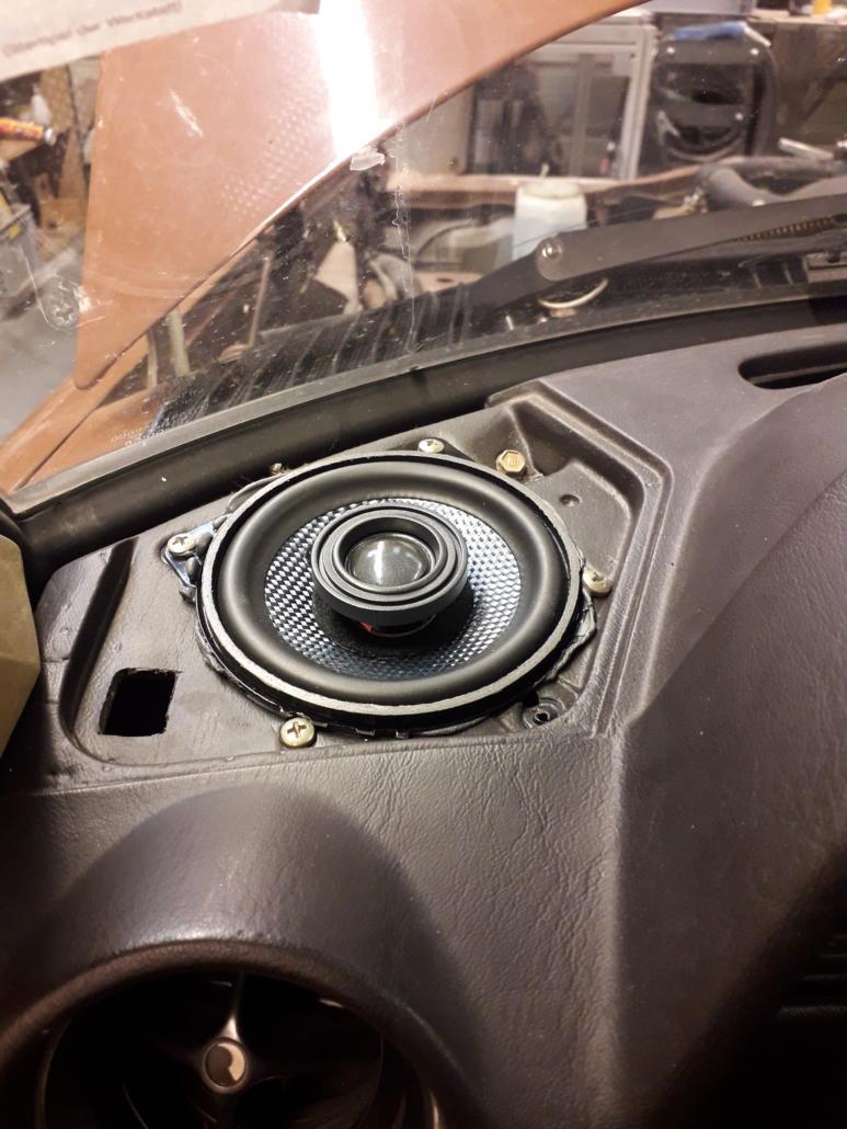 Mercedes W123 Lautsprecher